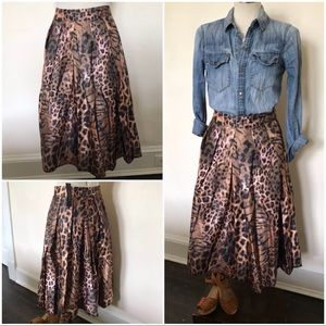 Dresses & Skirts - Animal print box pleats full pin up skirt